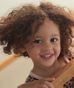 Bea's Bathtime Routine   Curly Kids