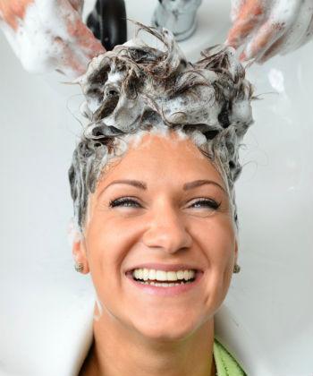 shampoo hair