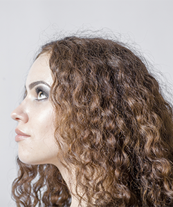 """How to """"Debulk"""" Curly Hair"""