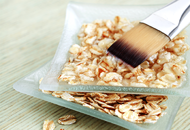 2 Easy Ultra-Moisturizing Oatmeal Hair Mask Recipes